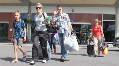 Đề xuất kéo dài thời gian miễn thị thực cho du khách Nga