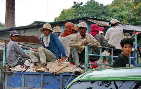 Sau 12-8: Thái Lan sẽ không cho phép người nối thị thực tái nhập cảnh