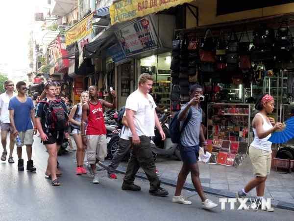 Điều chỉnh chính sách thị thực để tăng sức cạnh tranh cho du lịch