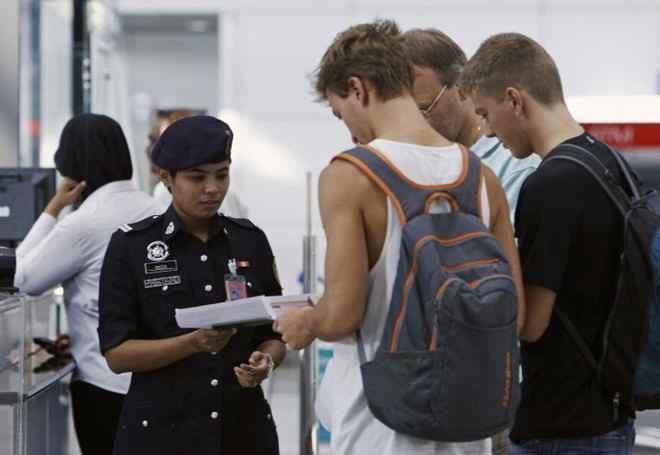 Muốn nhập cảnh vào Malaysia phải có vé khứ hồi